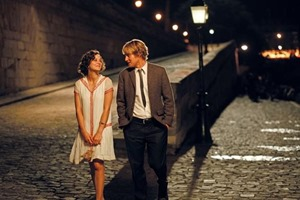 Marion-Cotillard-and-Owen-Wilson-in-Midnight-in-Paris1