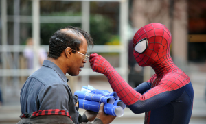 The-Amazing-Spider-Man-2-Set-images-Jamie-Foxx-and-Andrew-Garfield-2