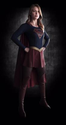 Melissa Benoist Supergirl 01
